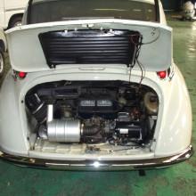 スバル360のエンジンルーム