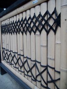 上:熊倉さん考案『菱からげ』 下:従来の『棕櫚縄からげ』